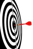 Rode pijl die in het centrum van doel-3 wordt geraakt Stock Foto's