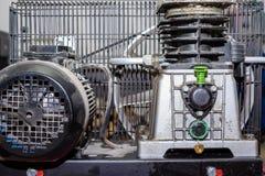Rode productiecompressor stock afbeeldingen