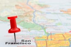 Rode punaise die San Francisco op kaart merkt Royalty-vrije Stock Afbeeldingen