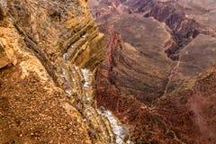 Rode rotsen in Grote Canions Stock Afbeeldingen
