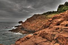 Rode rotsen van de Provence kust Stock Afbeeldingen