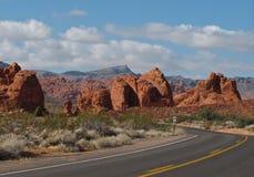 Rode rotsvormingen in Vallei van het Park van de Brandstaat, Nevada Stock Foto