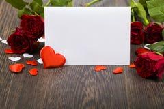 Rode rozen en kaart Royalty-vrije Stock Afbeelding
