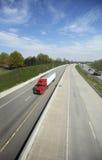 Rode Semi Vrachtwagen Stock Foto's