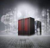 Rode servers met grijze achtergrond Stock Fotografie