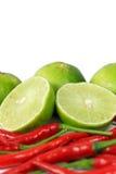 Rode Spaanse peper en kalk Stock Foto's