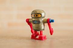 Rode stuk speelgoed robot Stock Afbeelding