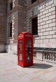 Rode Telefooncel in Londen Stock Foto's