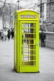 Rode telefooncel in Londen stock afbeelding