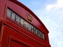 Rode telefooncel in Londen Stock Foto