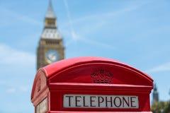 Rode telefooncellen in Londen Royalty-vrije Stock Fotografie