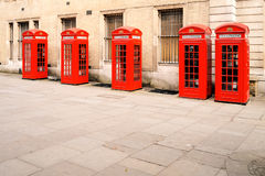 Rode telefoondozen Londen Stock Fotografie
