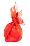 Rode textiel geïsoleerden gift Royalty-vrije Stock Afbeeldingen