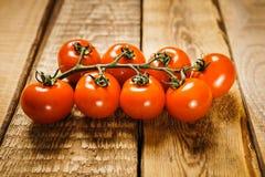 Rode tomaten op de lijst Royalty-vrije Stock Fotografie