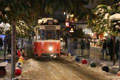 Rode tram op Bahariye-Straat Royalty-vrije Stock Afbeeldingen