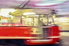 Rode tram op straat met het effect van het motieonduidelijke beeld katowice polen Royalty-vrije Stock Afbeeldingen