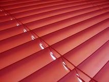 Rode venitian zonneblinden. Royalty-vrije Stock Afbeelding