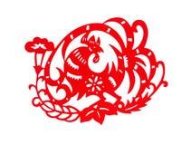 Rode vlakke papier-besnoeiing op wit als symbool van Chinees Nieuwjaar van de Haan Stock Foto