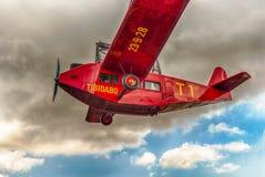 Rode vliegtuigcarrousel bij het Pretpark van Tibidabo, Barcelona, Kat Royalty-vrije Stock Afbeelding