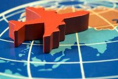 Rode vliegtuigen op de kaart Stock Afbeelding
