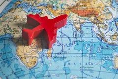 Rode vliegtuigen op de kaart Royalty-vrije Stock Afbeeldingen