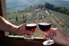 Rode wijn in Castello Di Meleto in Italië/Toscanië Stock Fotografie