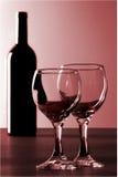 Rode Wijn en 2 glazen Royalty-vrije Stock Afbeelding