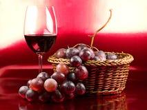 Rode Wijn en druiven Royalty-vrije Stock Afbeeldingen