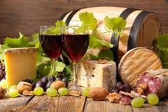 Rode wijn en kaas stock fotografie