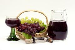 Rode Wijn en wijnkruik royalty-vrije stock fotografie