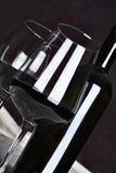 Rode wijn in fles Royalty-vrije Stock Foto's