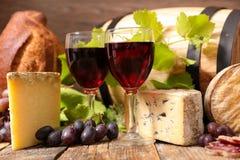 Rode Wijn met brood stock fotografie