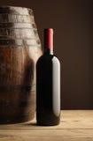 Rode wijnfles Stock Afbeelding