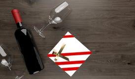 Rode Wijnfles met Twee Lege Glazen en Giftdoos Royalty-vrije Stock Fotografie