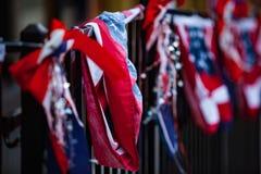 Rode Witte Blauwe Patriottische Kleuren op Traliewerk Stock Afbeeldingen