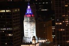 Rode, Witte en Blauwe Lichten bij Nacht Royalty-vrije Stock Afbeeldingen