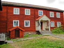 Rode Zweedse cabine stock afbeeldingen