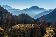 Rodeado por las montañas Imágenes de archivo libres de regalías