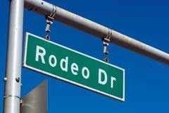 Rodeo przejażdżka podpisuje wewnątrz Beverly Hills Kalifornia Obrazy Stock