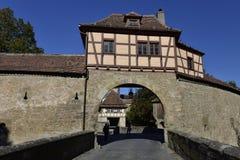 Roder tornbastion i Rothenburg obder Tauber, Tyskland Arkivfoton