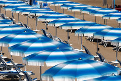 Rodi Garganico (Apulia, Italia) la playa en el verano Foto de archivo libre de regalías
