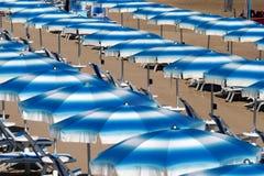 Rodi Garganico (Apulia, Italia) la spiaggia ad estate Fotografia Stock Libera da Diritti