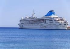 RODI, GRECIA - 30 AGOSTO 2017: Celestyal Crystal Cruise in Rodi Fotografia Stock
