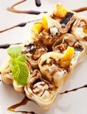 Rodillo dulce del sushi de la fruta Fotografía de archivo libre de regalías