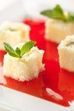 Rodillo dulce del sushi de la fruta Fotografía de archivo