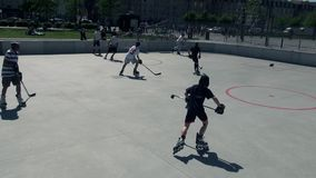 Rodillo en la línea hockey metrajes