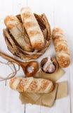 Rodillos de pan recientemente cocidos al horno Imagenes de archivo
