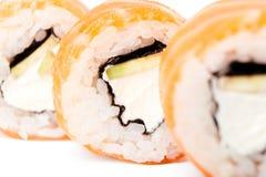 Rodillos de sushi de color salmón Imagenes de archivo