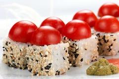 Rodillos de sushi japoneses Foto de archivo libre de regalías