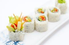Rodillos de sushi vegetarianos Fotos de archivo
